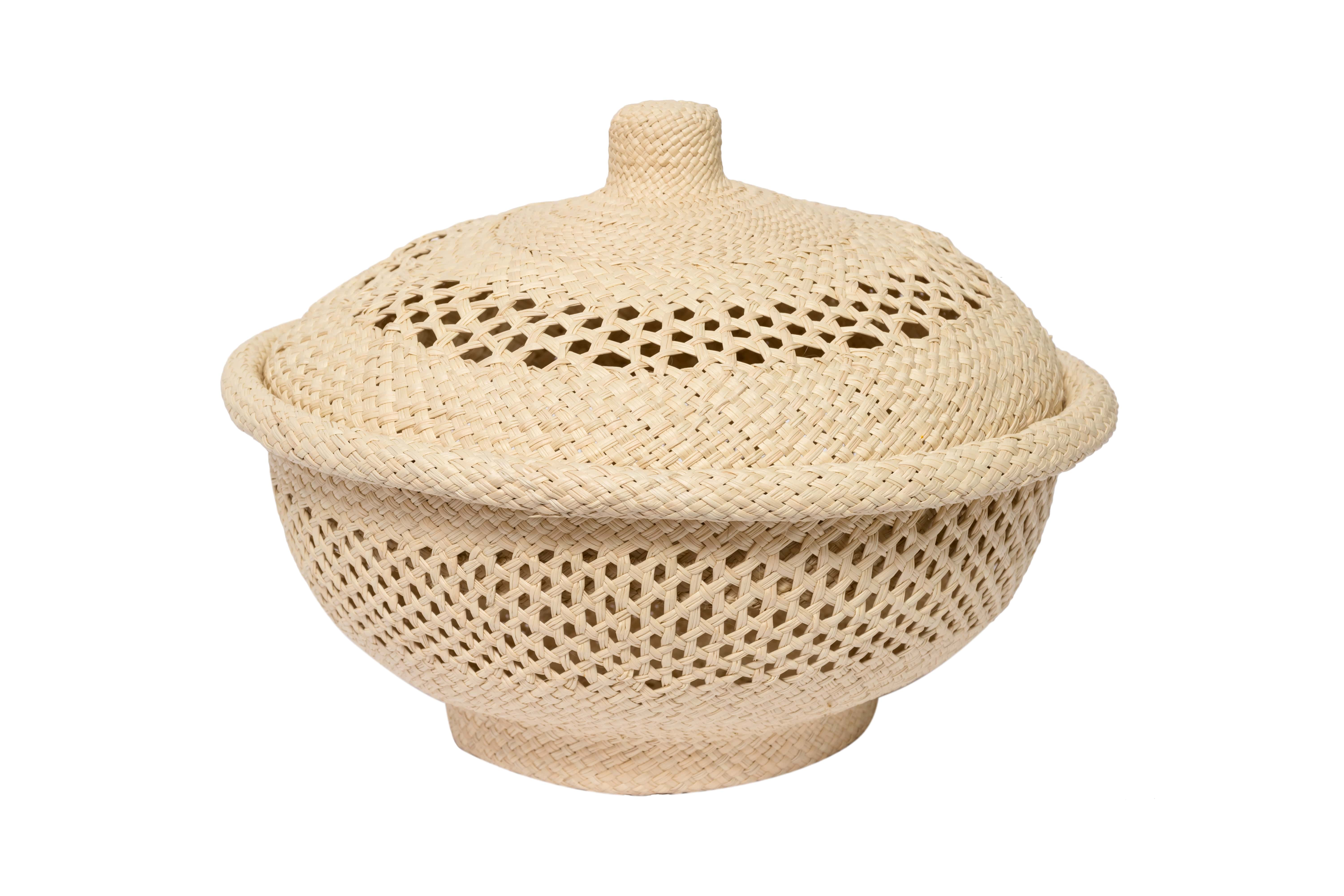 Breadbasket in iraca openwork design