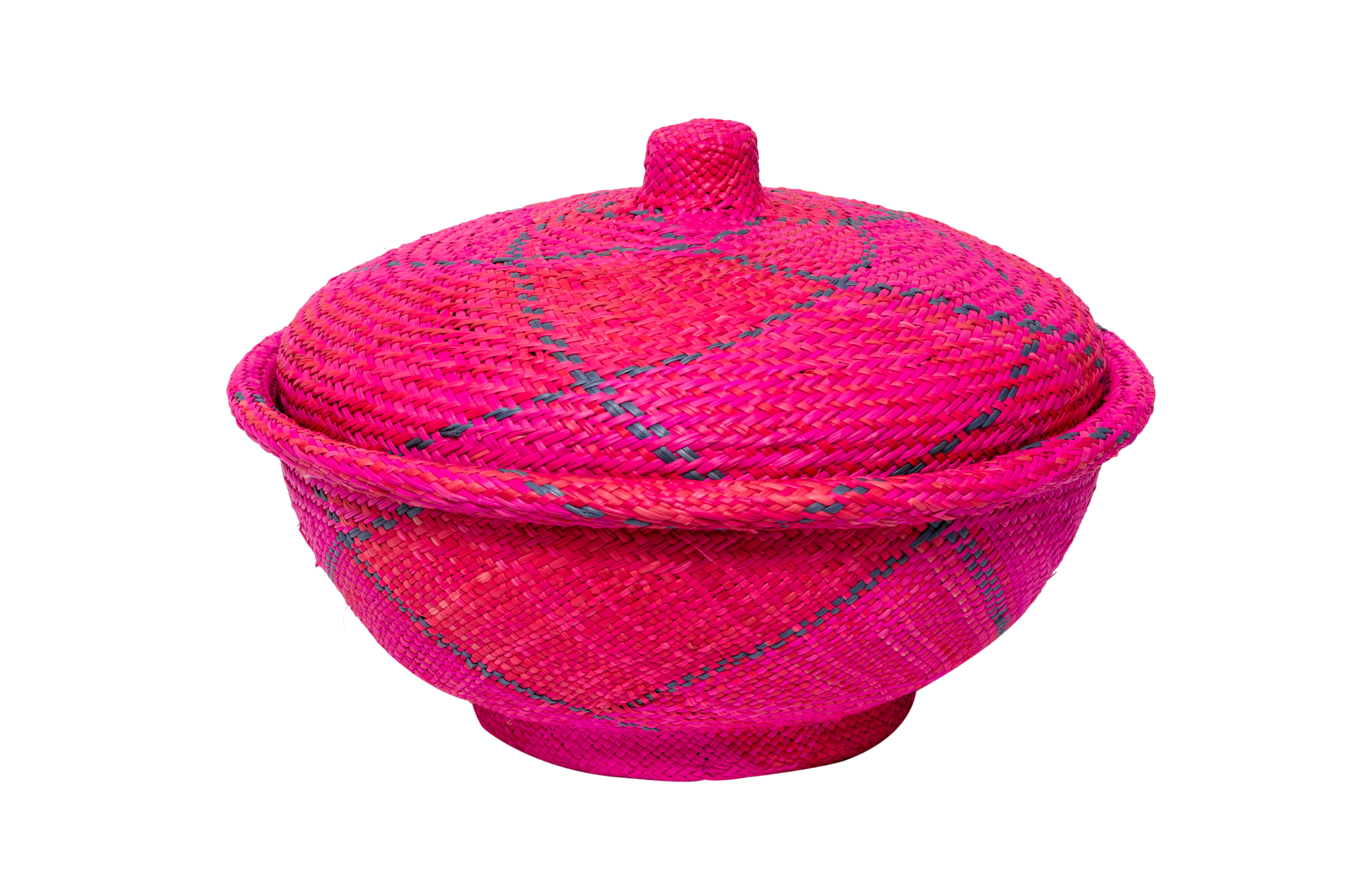 Bread basket in iraca fuchsia