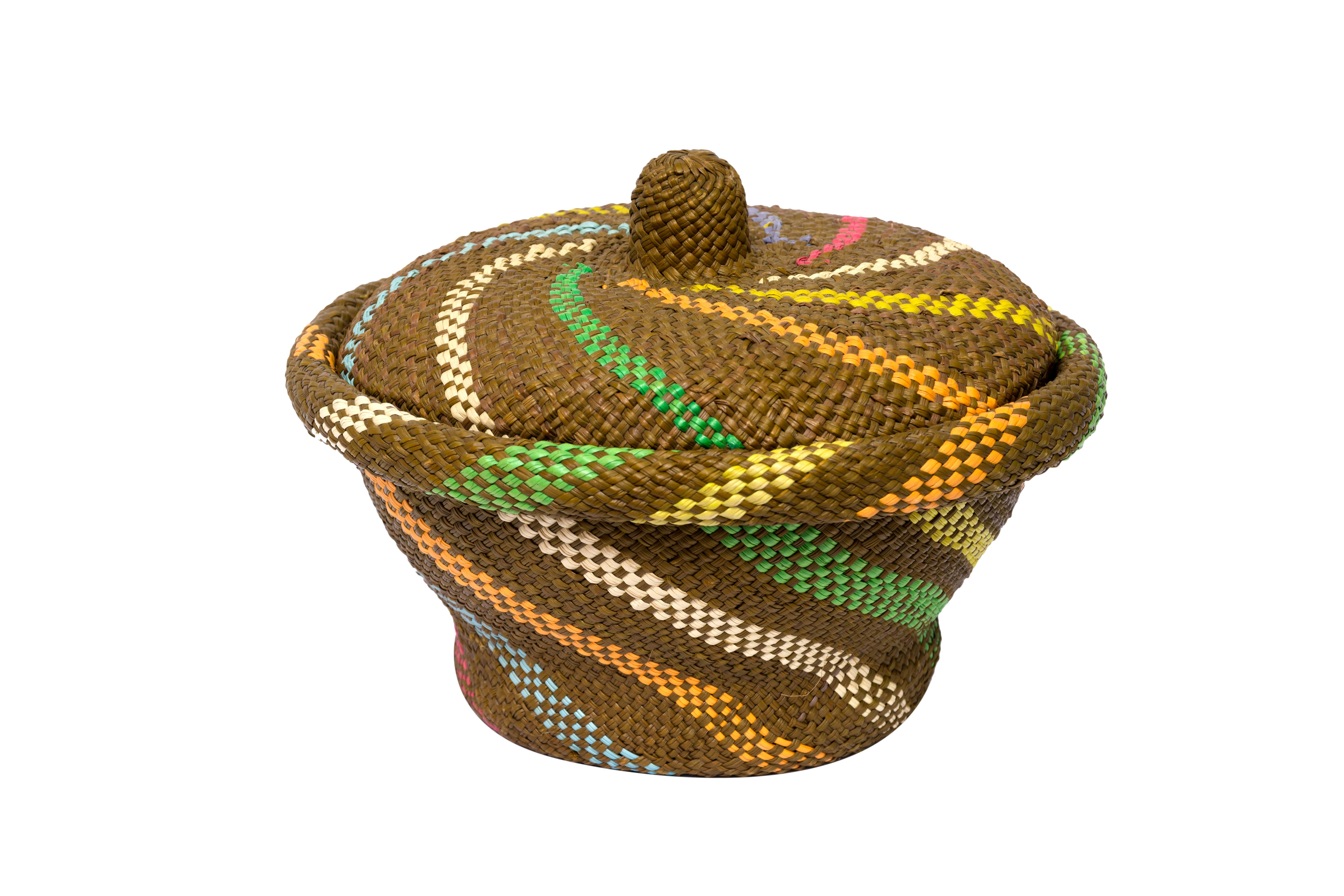 Bread basket in iraca green