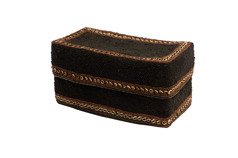 Caja de ofrenda Balinesa chaquiras y conchas rectangular