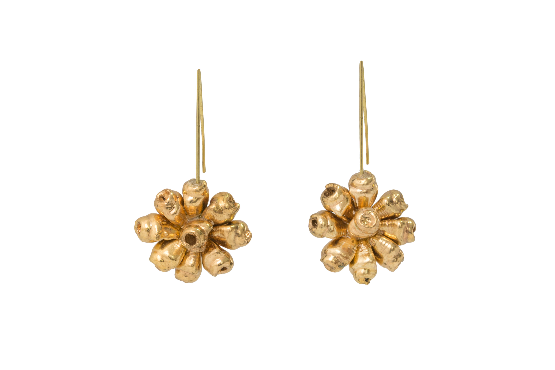 Mini seashell flower drop earrings gold