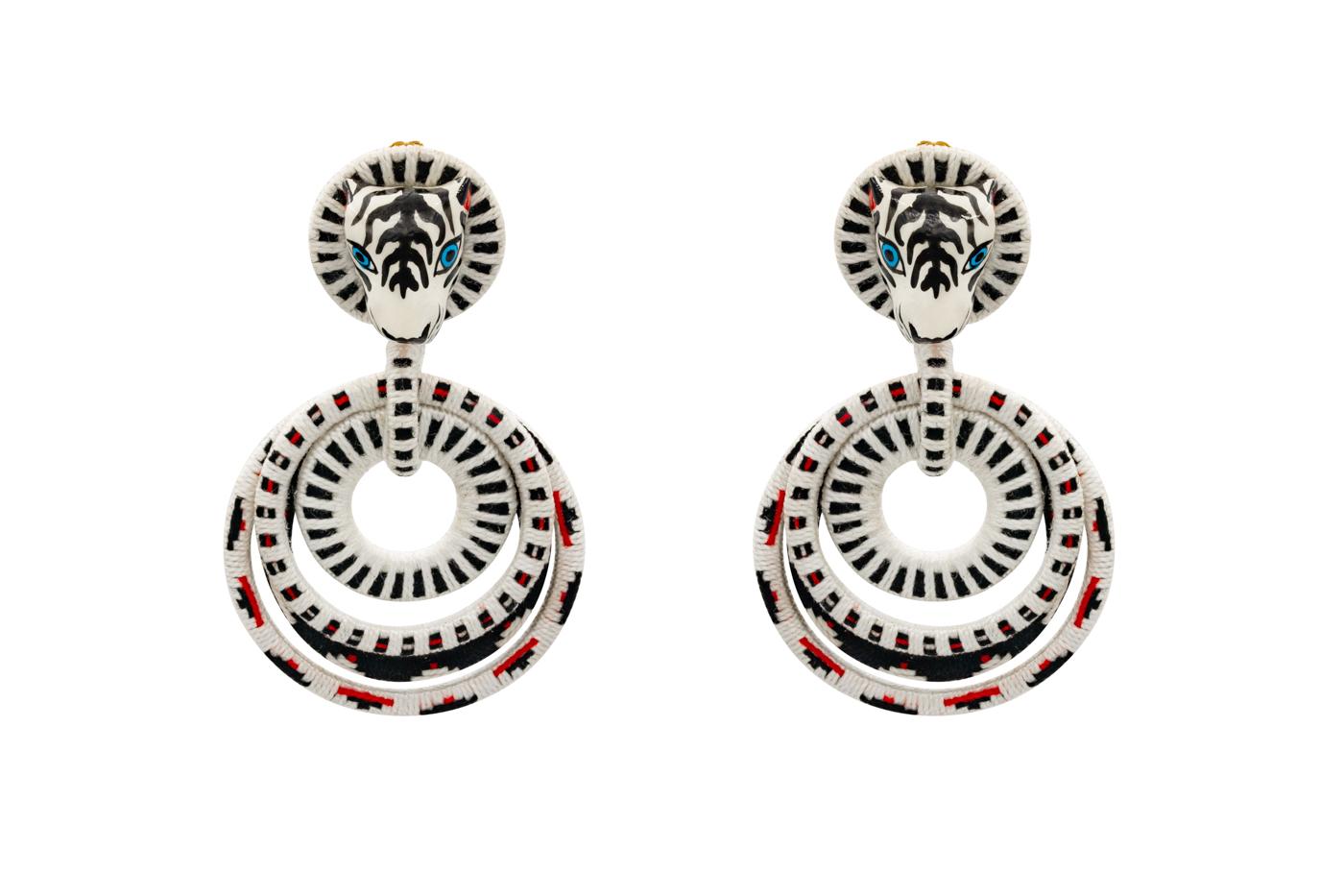 Garabato earring white tiger