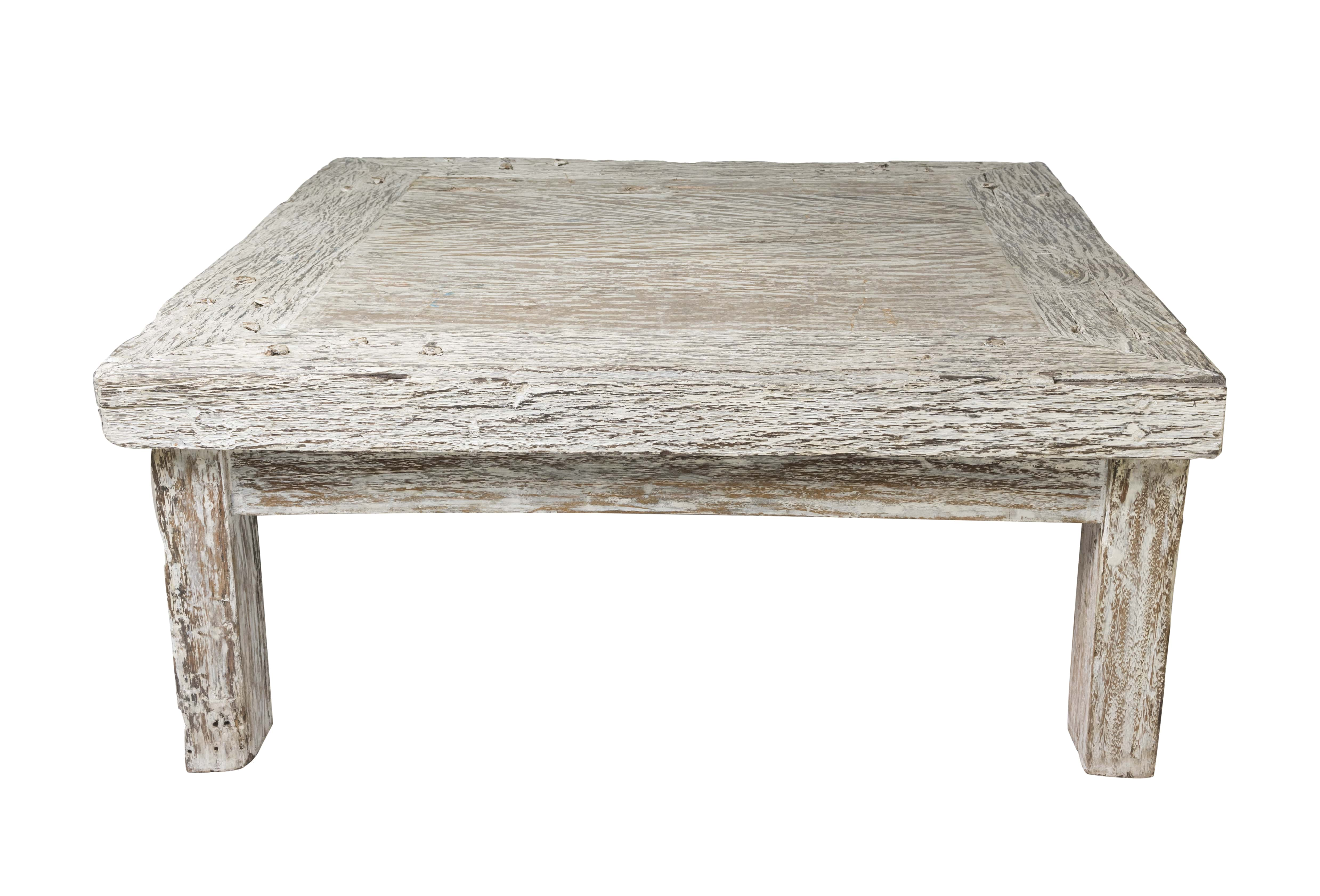 Tigris wooden table