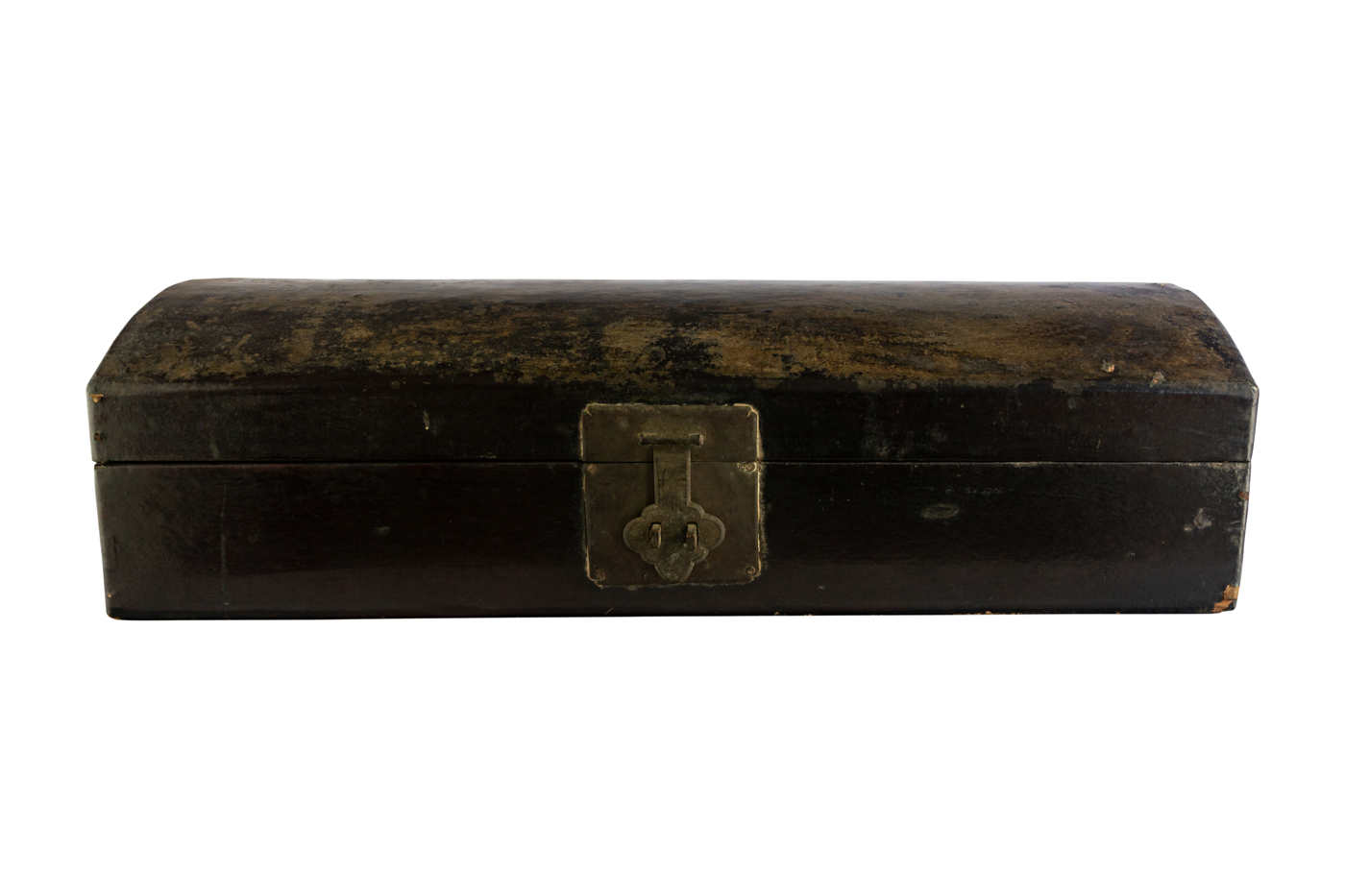 Rectangular wooden trunk