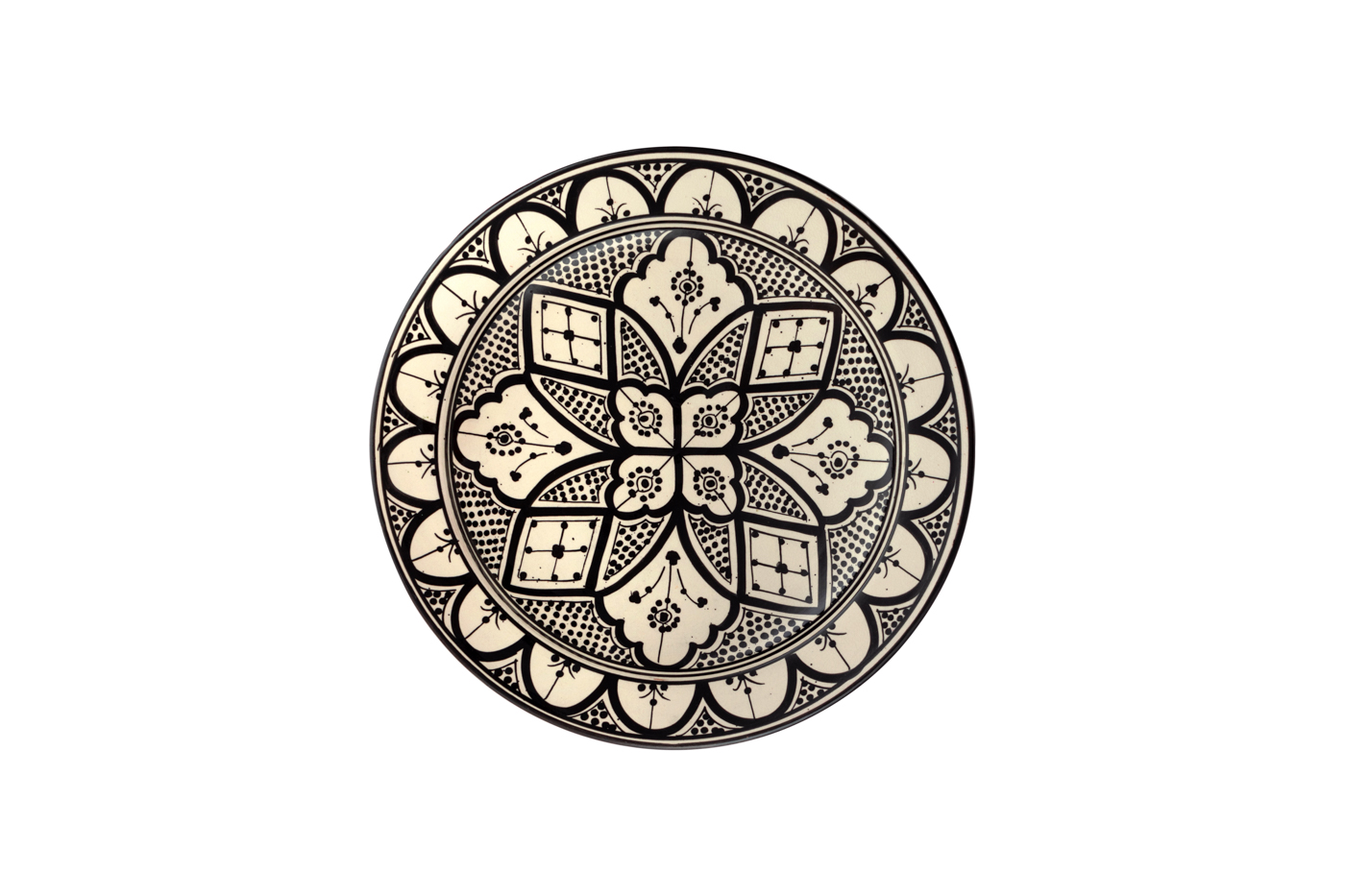 Plato Marroquí en cerámica  pintado con diseño de arabescos florales-Blanco/negro