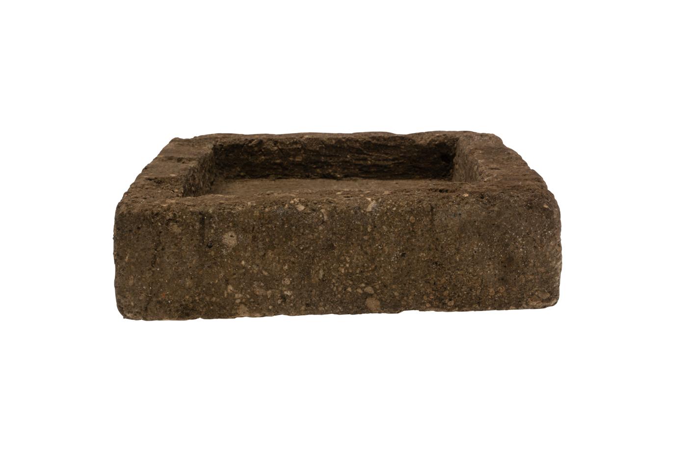 Jardinera cuadrada en piedra natural
