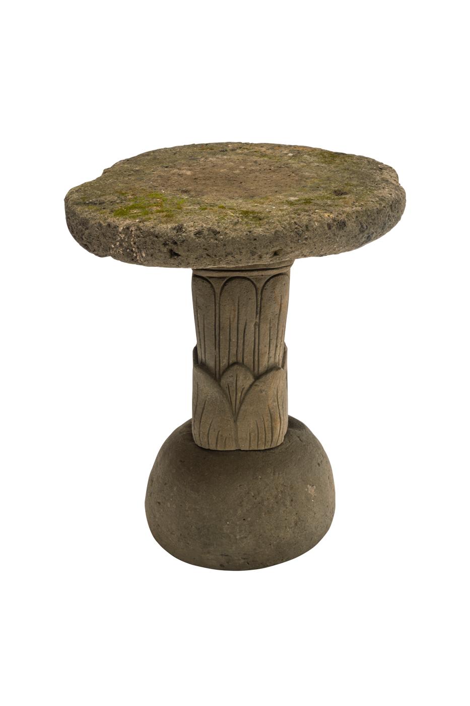 Mesa de exterior en piedra natural