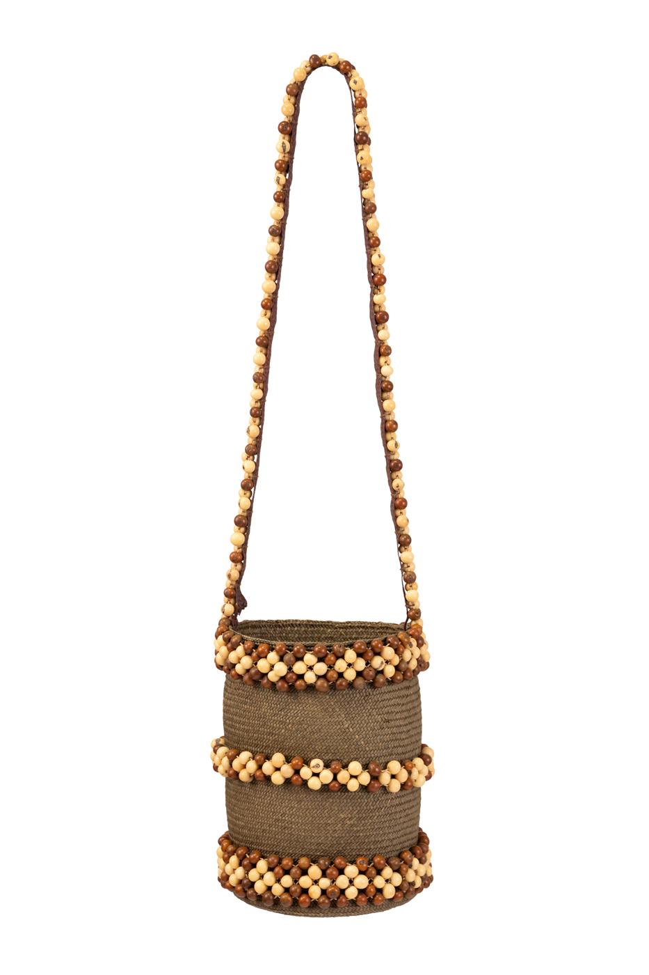 Bolsa en caña flecha y semillas de tagua