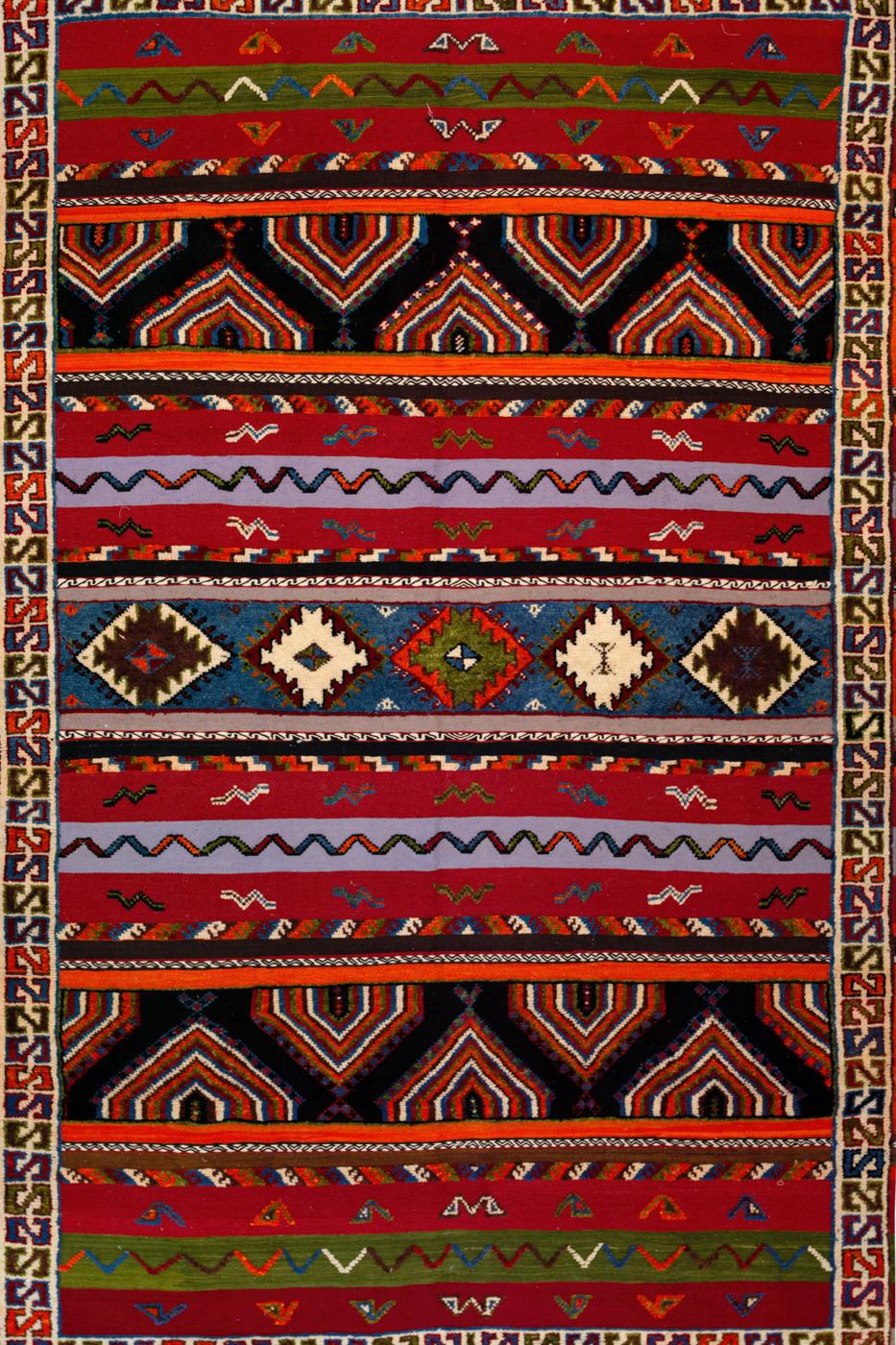 Alfombra Bereber Marroquí con patrones tribales multicolor