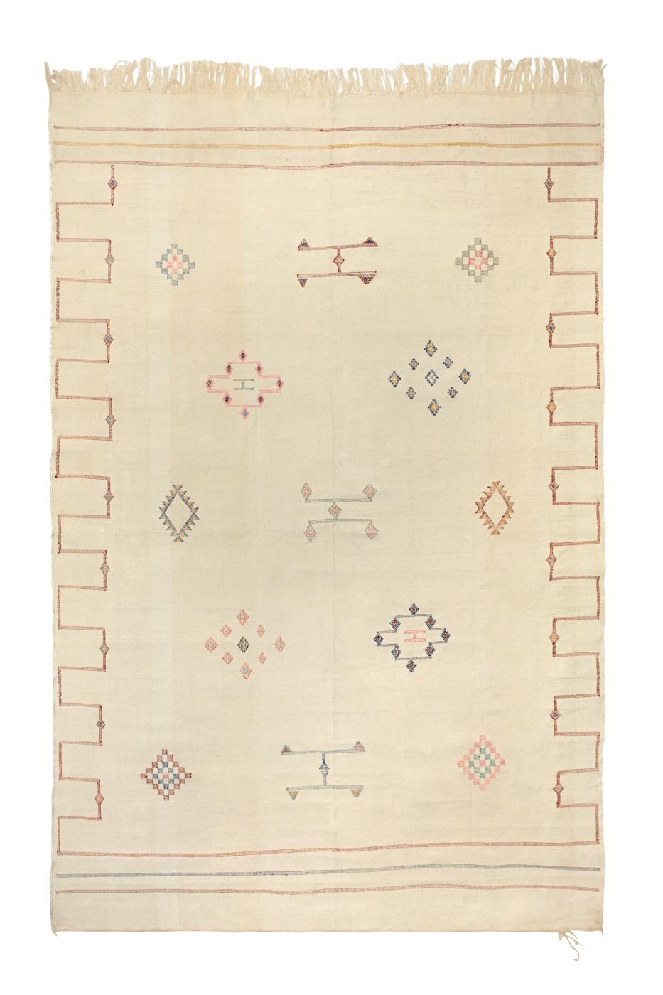 Alfombra Marroquí en seda de cactus- Beige con patrones geométricos