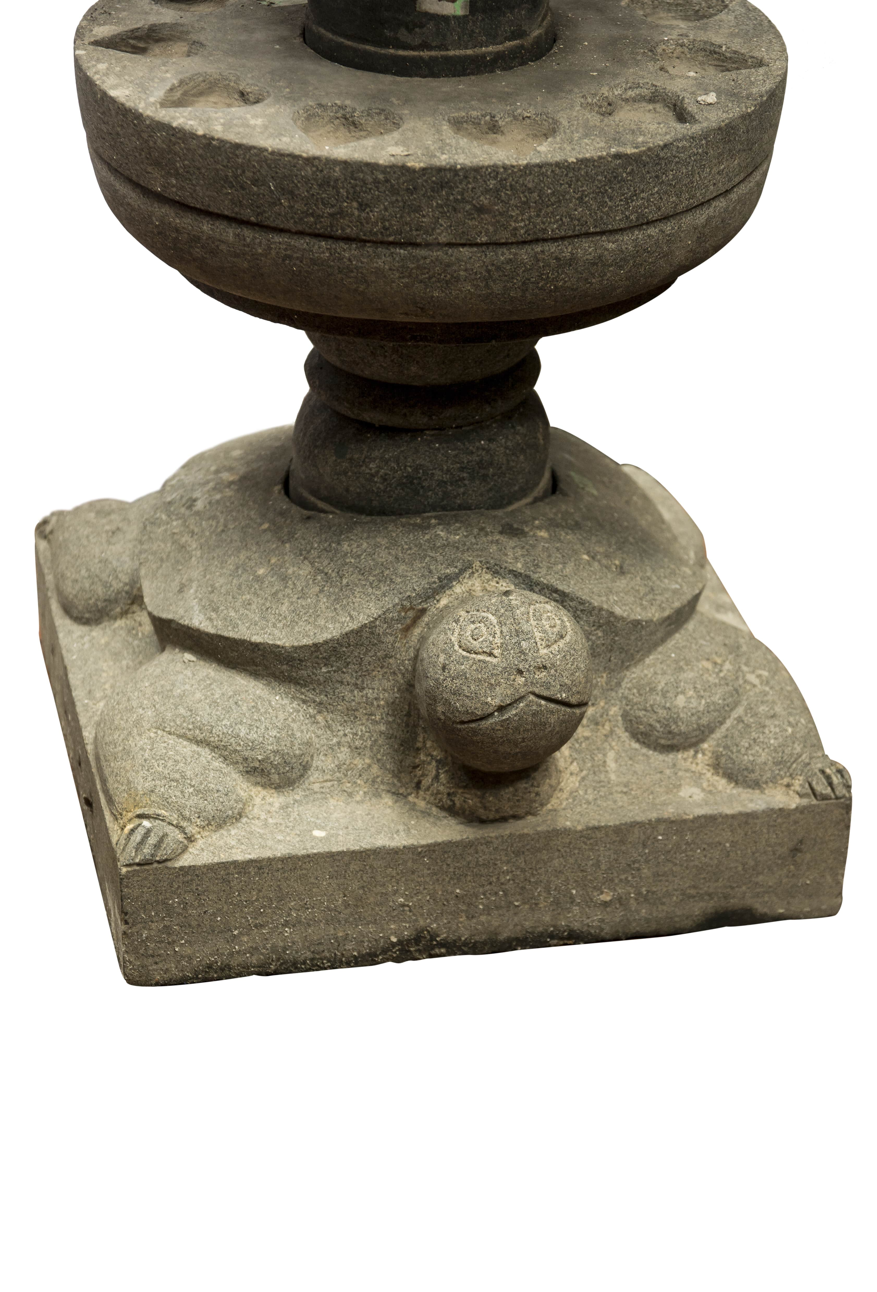 Pedestal para vela en piedra caliza-124 Cm