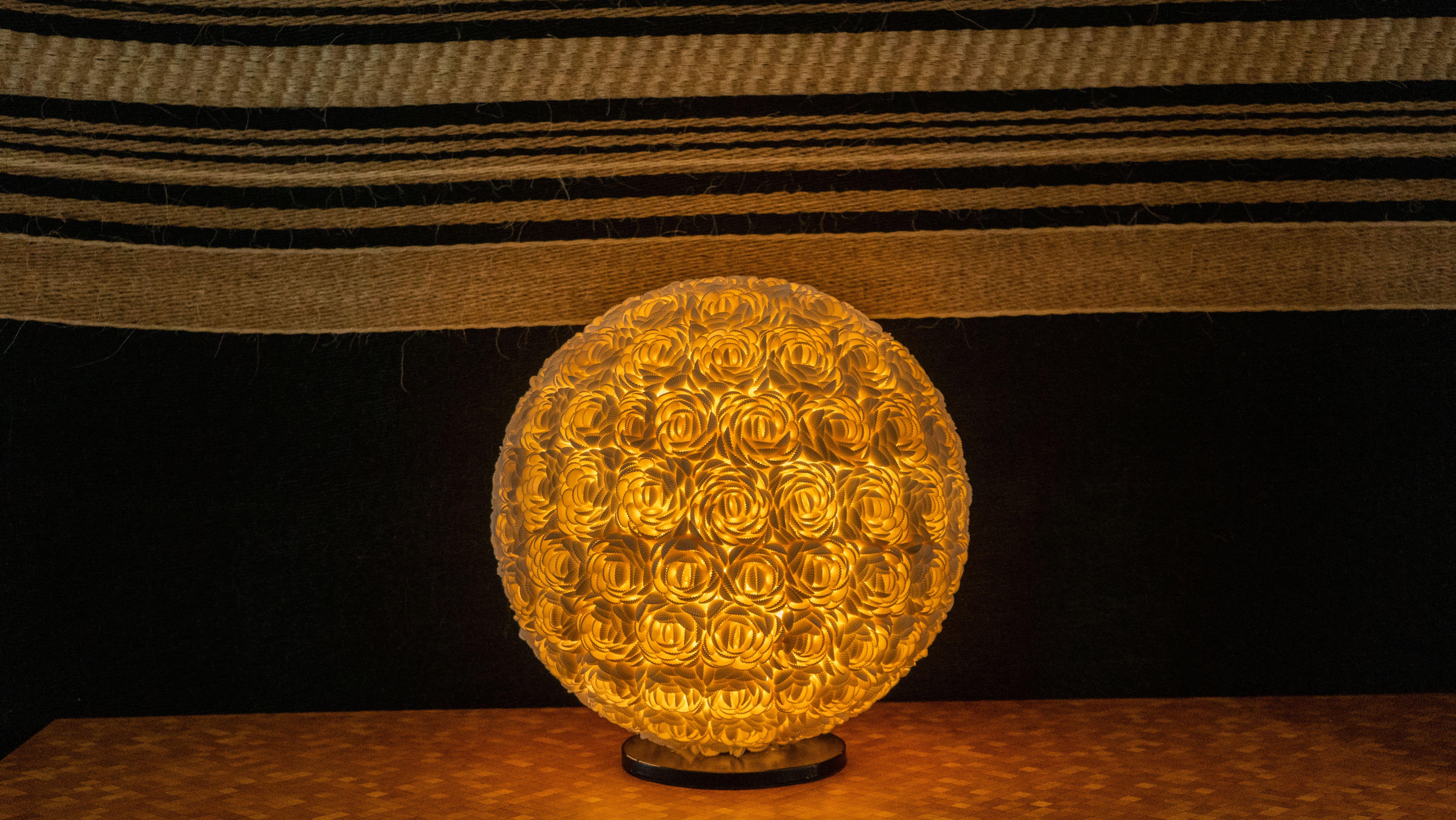 Lámpara de mesa flores de caracol