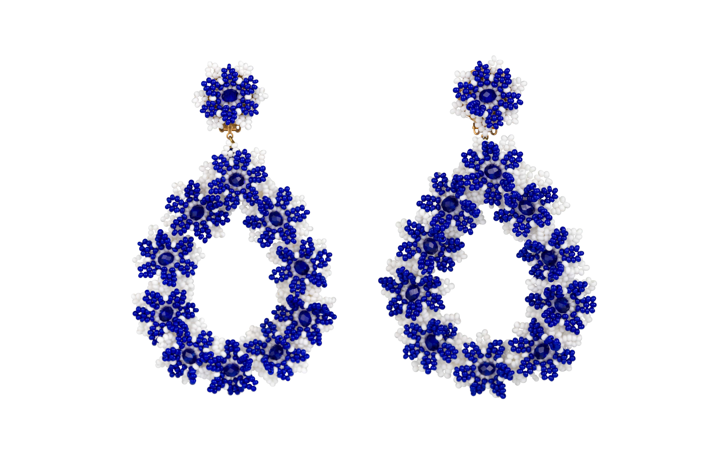 Aretes Flores de Chaquira azul-blanco