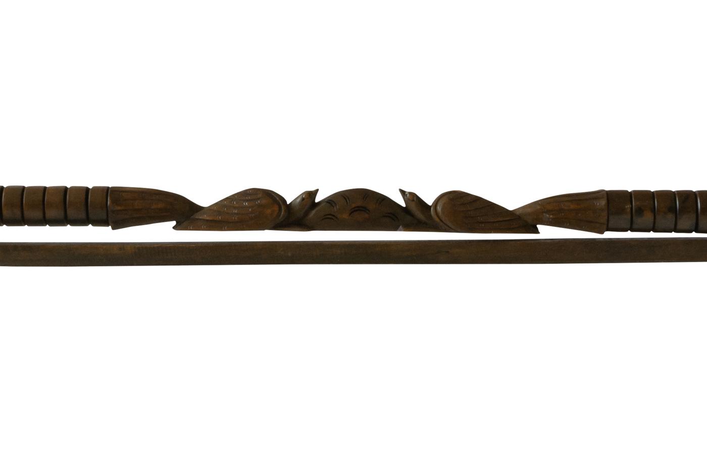 Soporte de pared para textiles en madera diseño aves