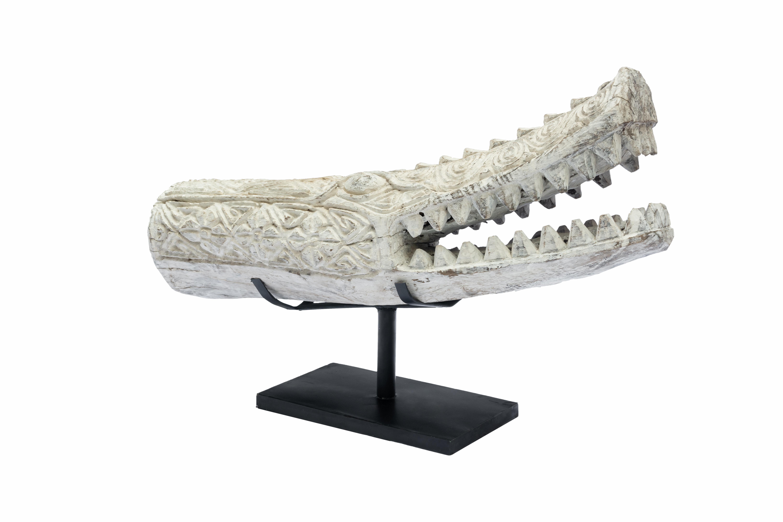 Escultura de cocodrilo tallado en madera- mediano