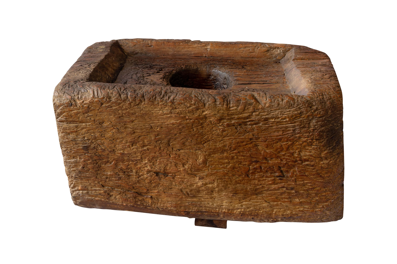 Lesung decorativo en madera teka