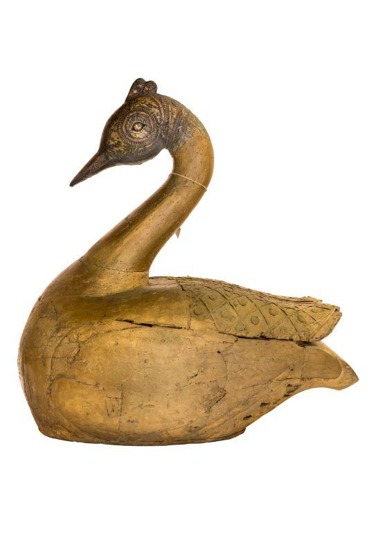 Pato decorativo tallado en madera diseño rombos