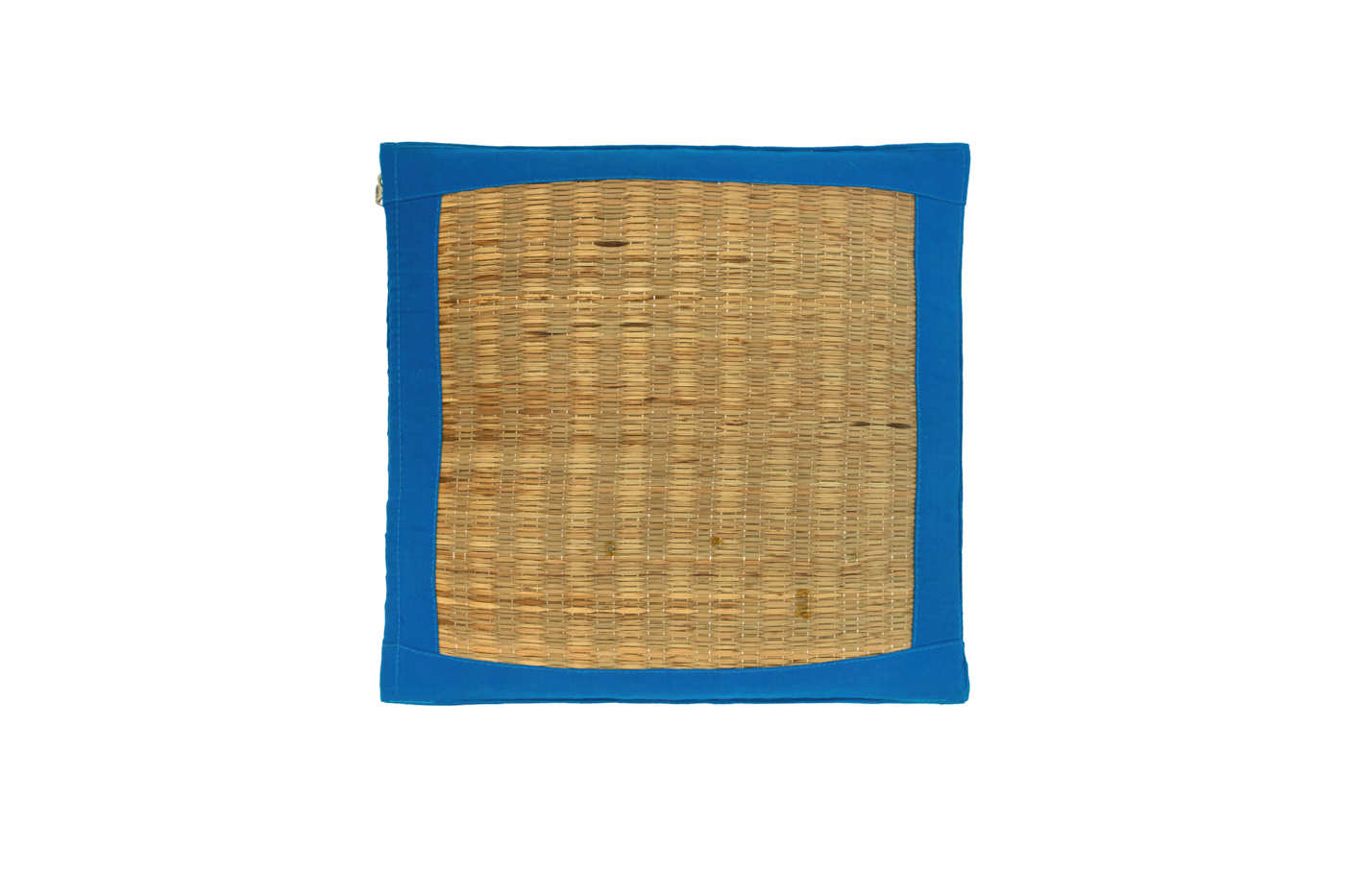 Cojín fibra natural con borde color azul