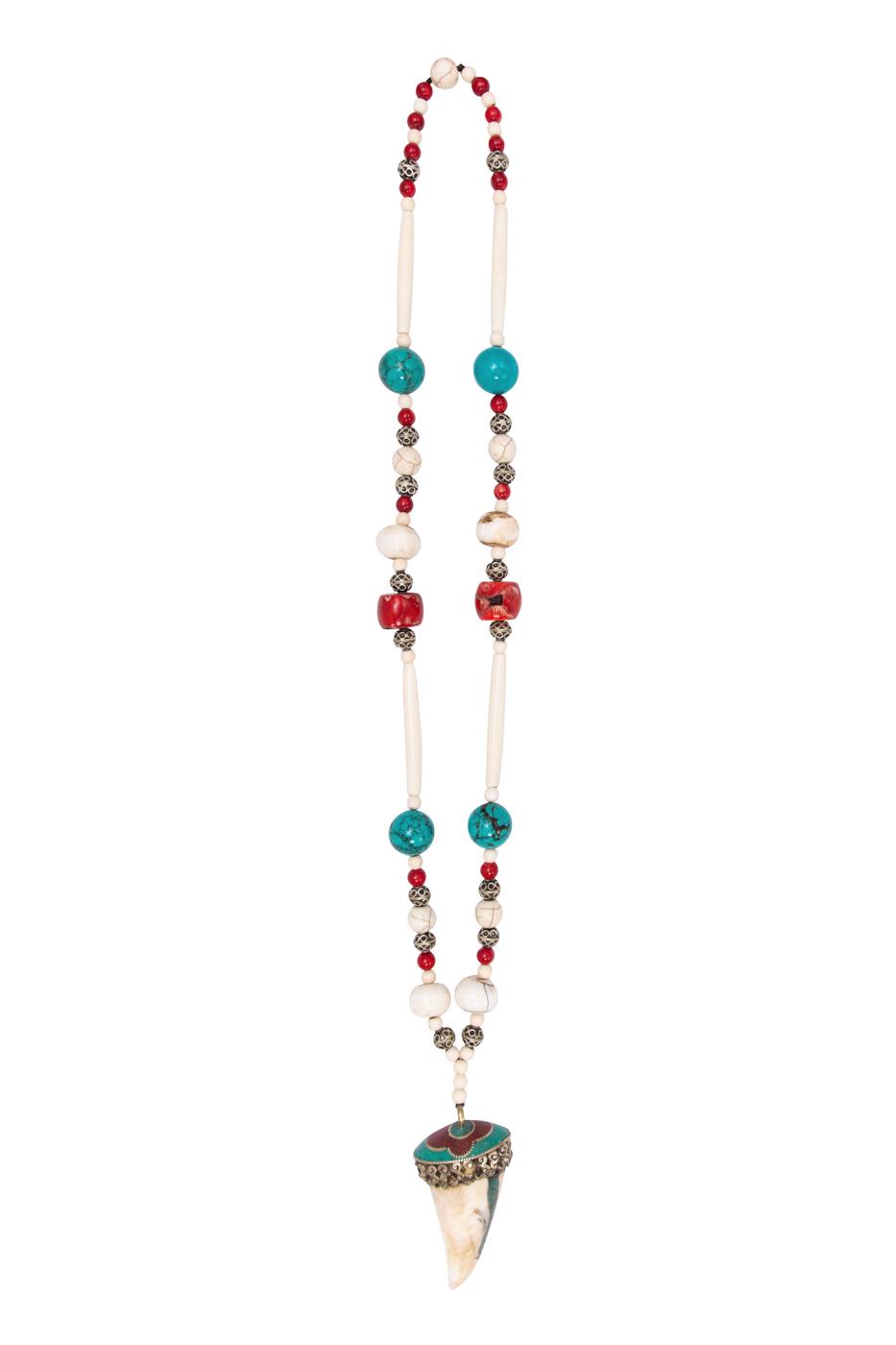 Collar turquesa, coral rojo y hueso natural.