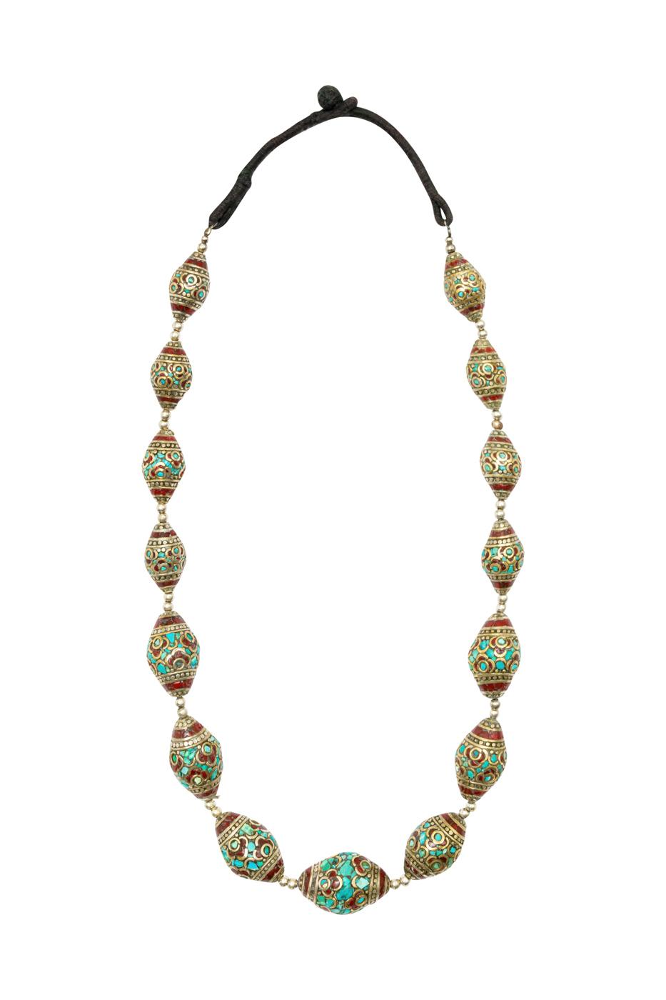 Collar plata evjevecida con incrustaciones de turquesa.