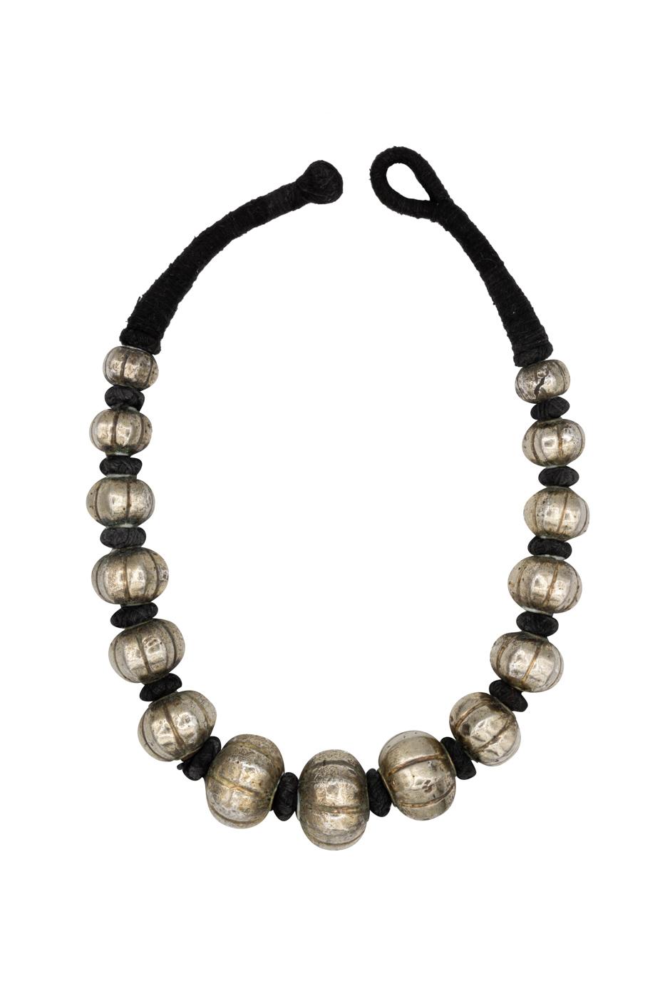 Collar de plata antigua tradicional India