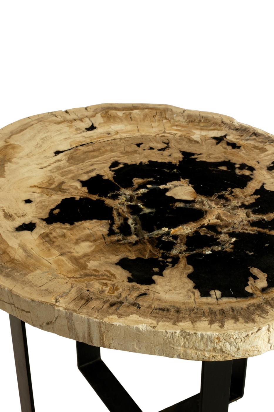 Mesa auxiliar en madera fozilizada-Ovalada