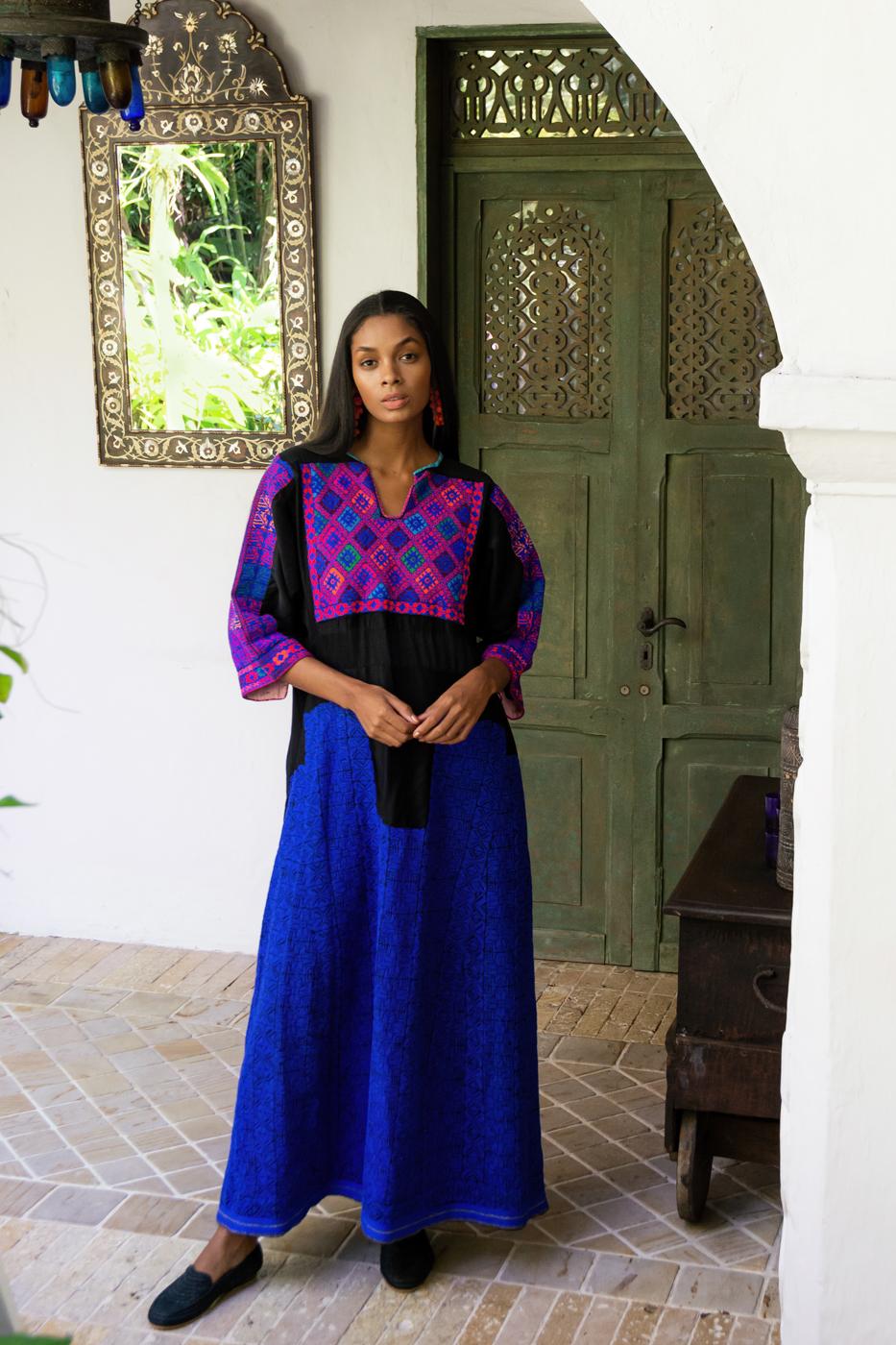 Egyptian kaftan with ethnic embroidery - purple
