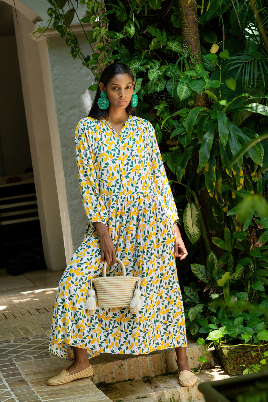 Anis dress in cotton with leaf prints