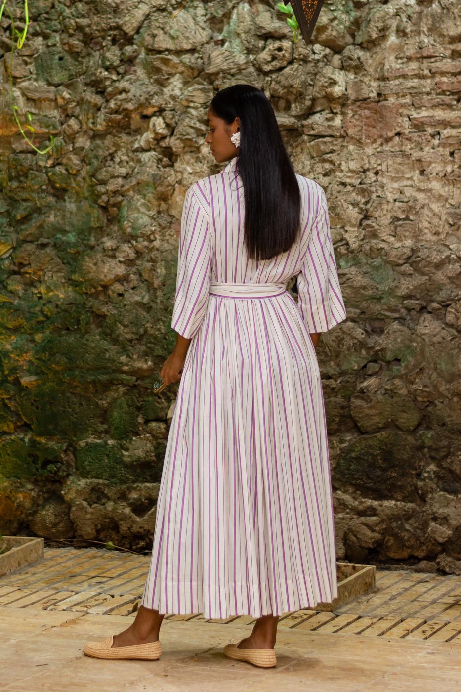 Shirt dress with line print