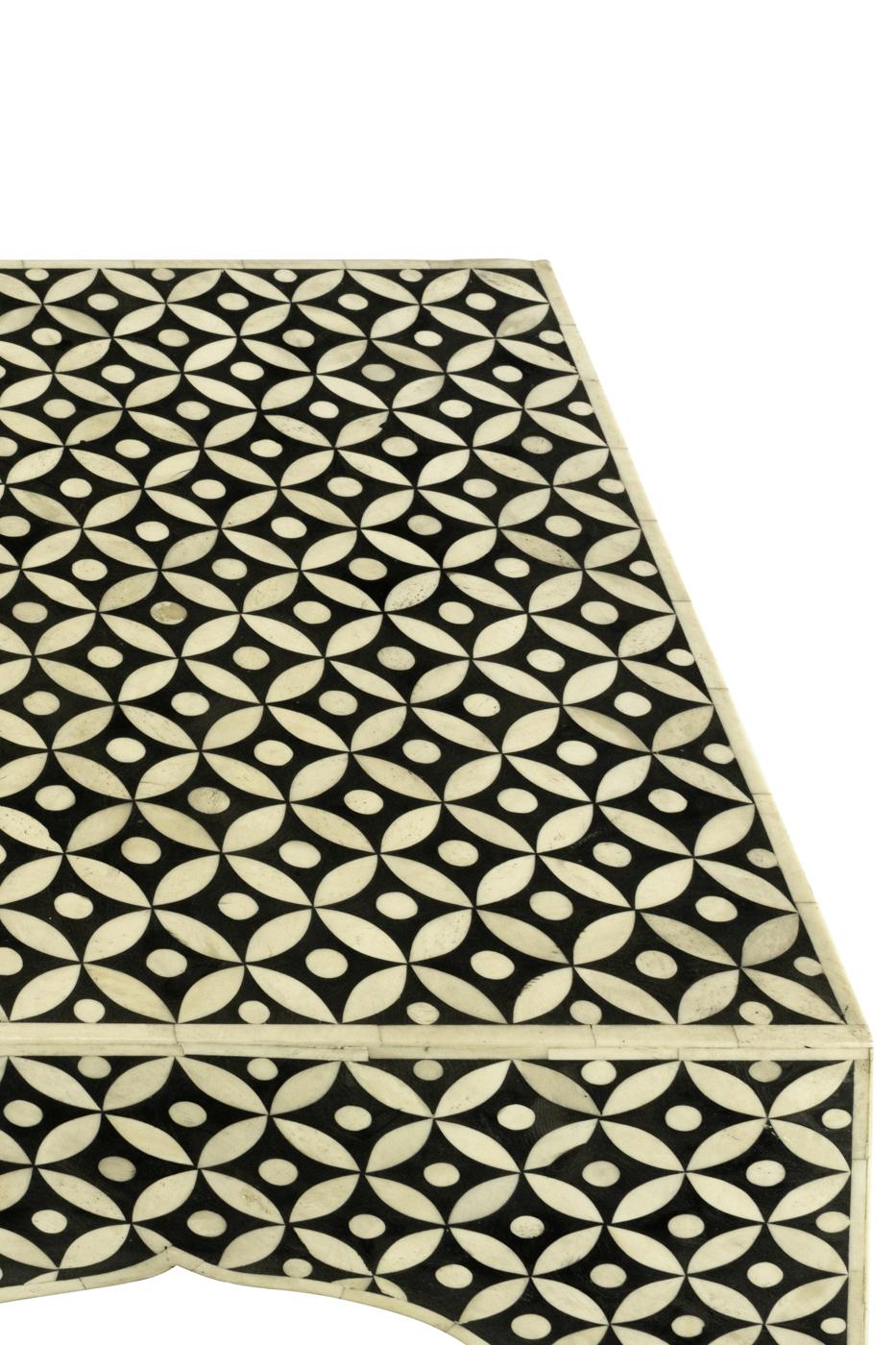 Mesa auxiliar diseño de Alhambra en madera y hueso