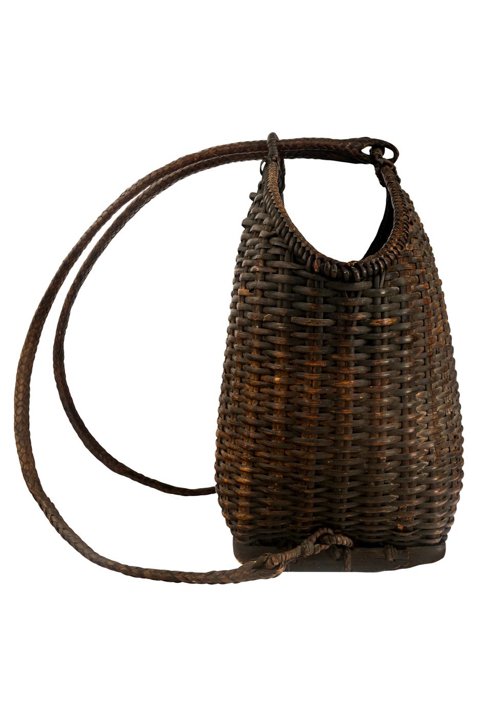 Canasto-mochila estilo vintage en rattan