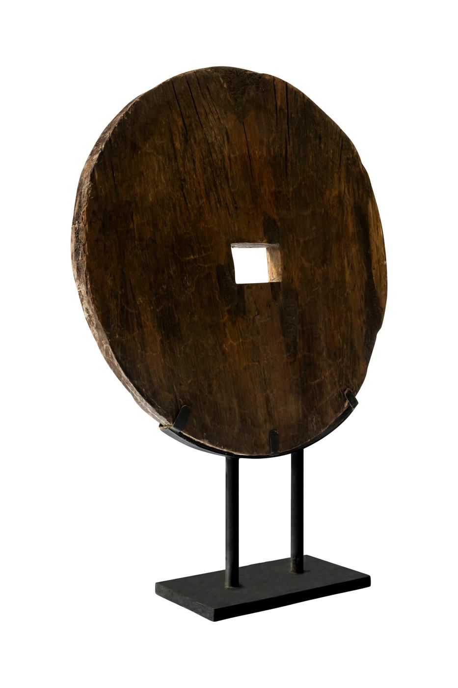 Rueda decorativa en madera sobre base de metal-Caoba oscuro