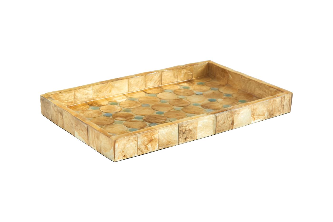 Bandeja rectangular en madera cubierta con nácar