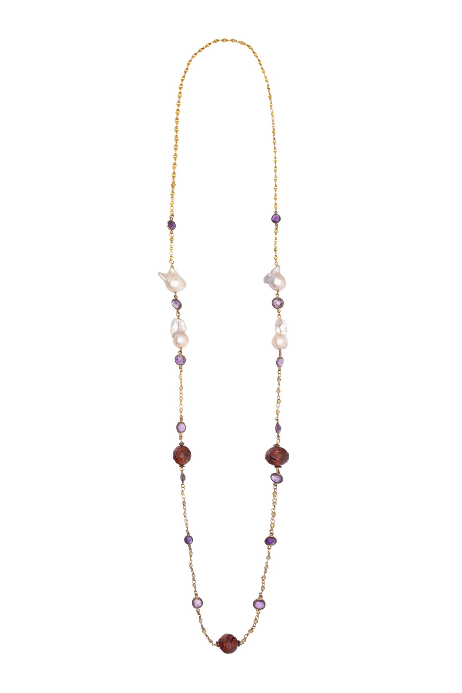 Cadena dorada con perlas barrocas