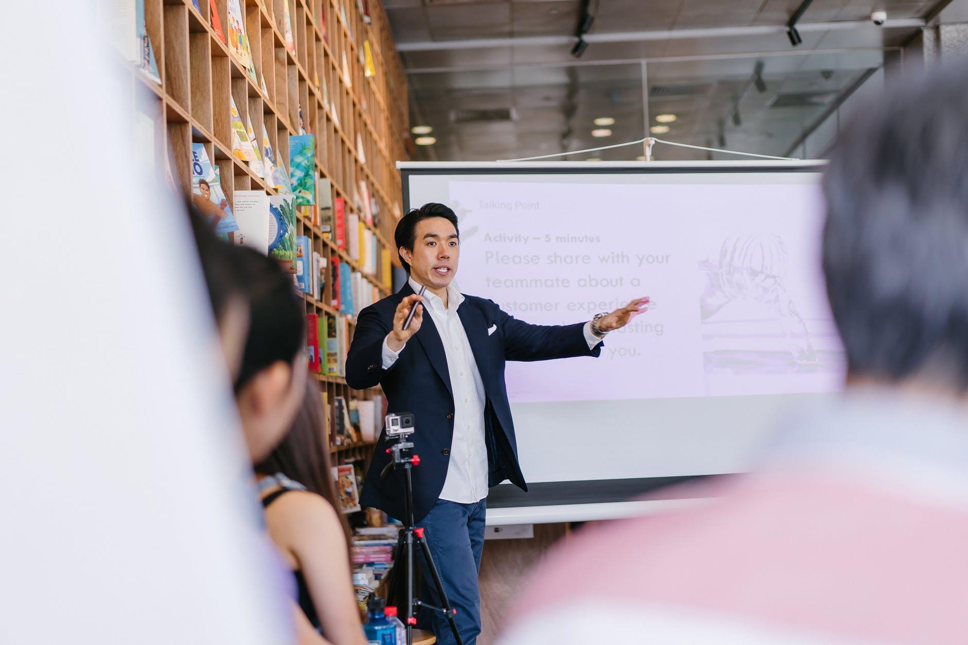 Saiba como uma boa apresentação pode melhorar o seu marketing pessoal