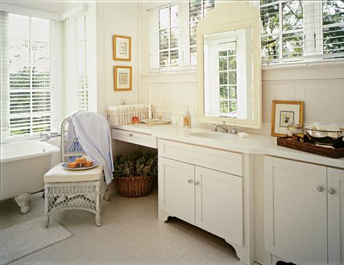 Farmhouse Bathroom Remodel in DeSoto, MS