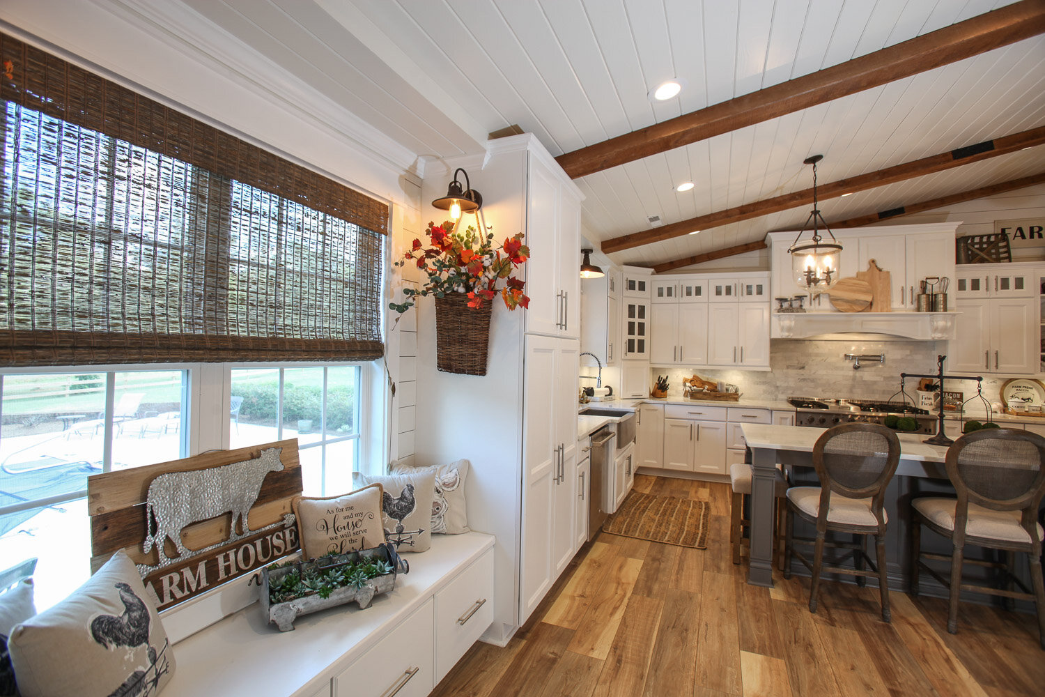 White maple kitchen project in Tate, MS