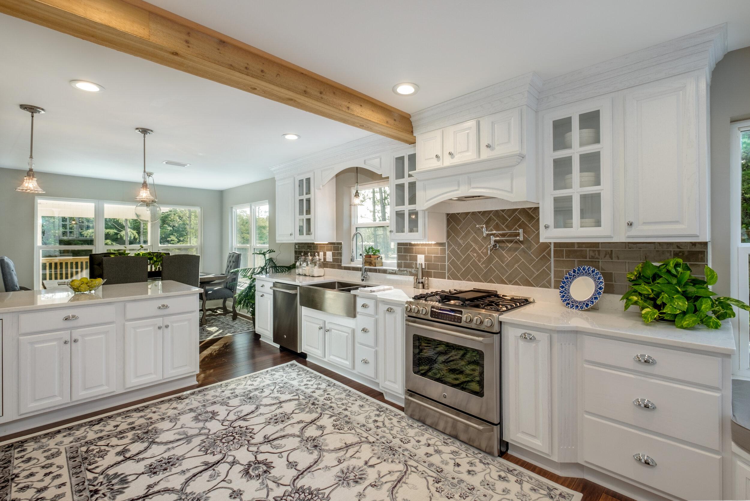 Cumberland oak white kitchen project in DeSoto, MS