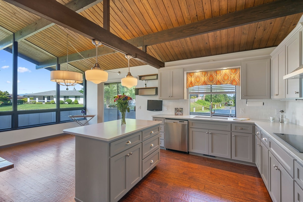 Cost Differences Between Granite and Quartz