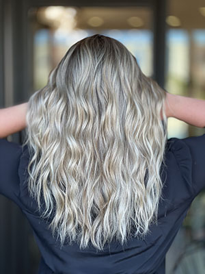 White dimmendional blonde