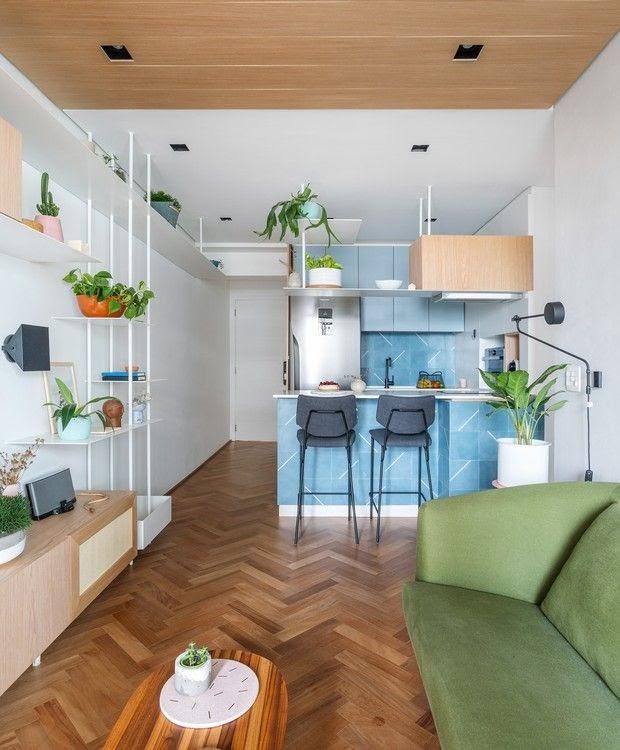 cozinha e sala integrada colorida