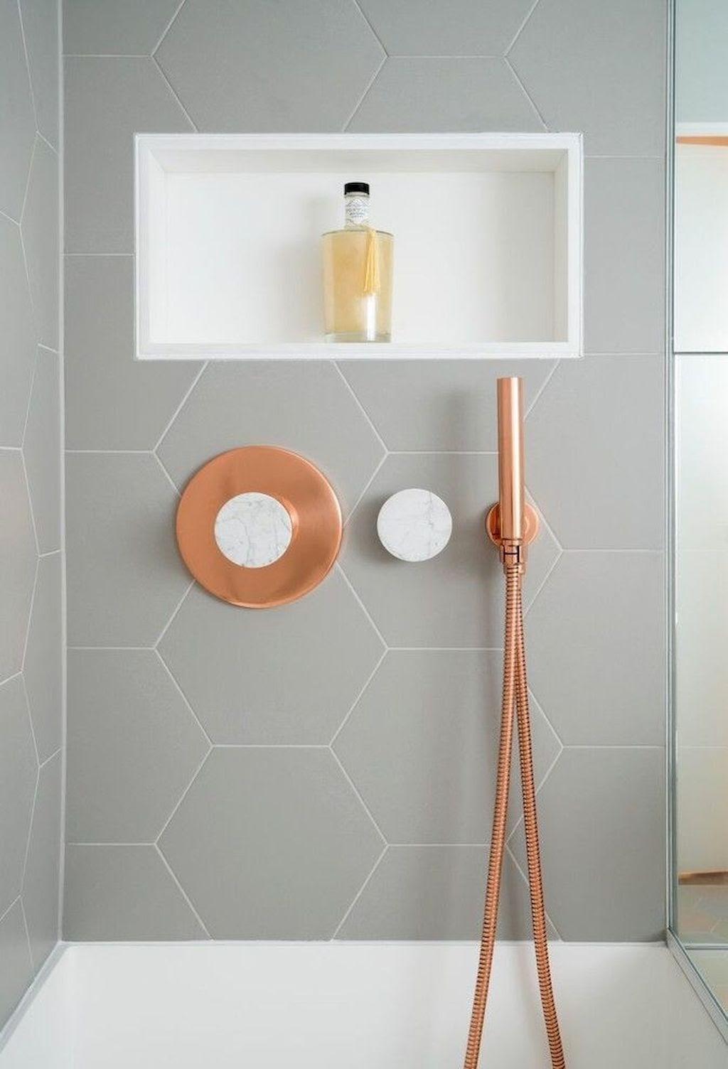 banheiro revestimento hexagonal cinza