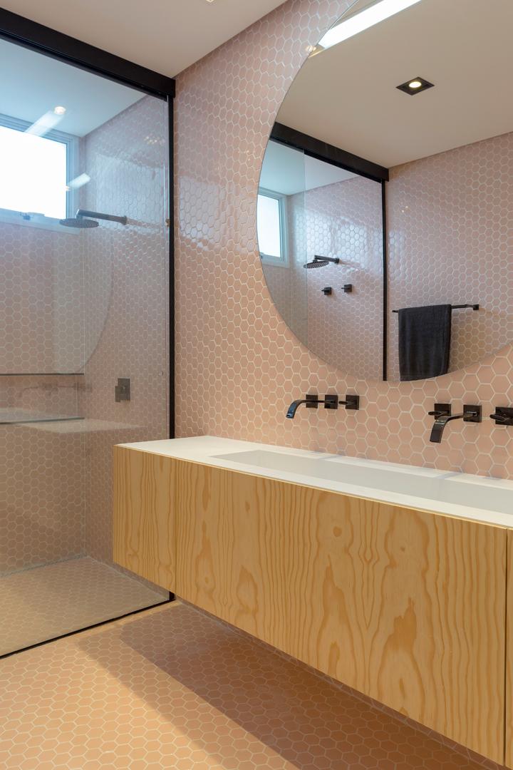 banheiro pastilha revestimento hexagonal rosa
