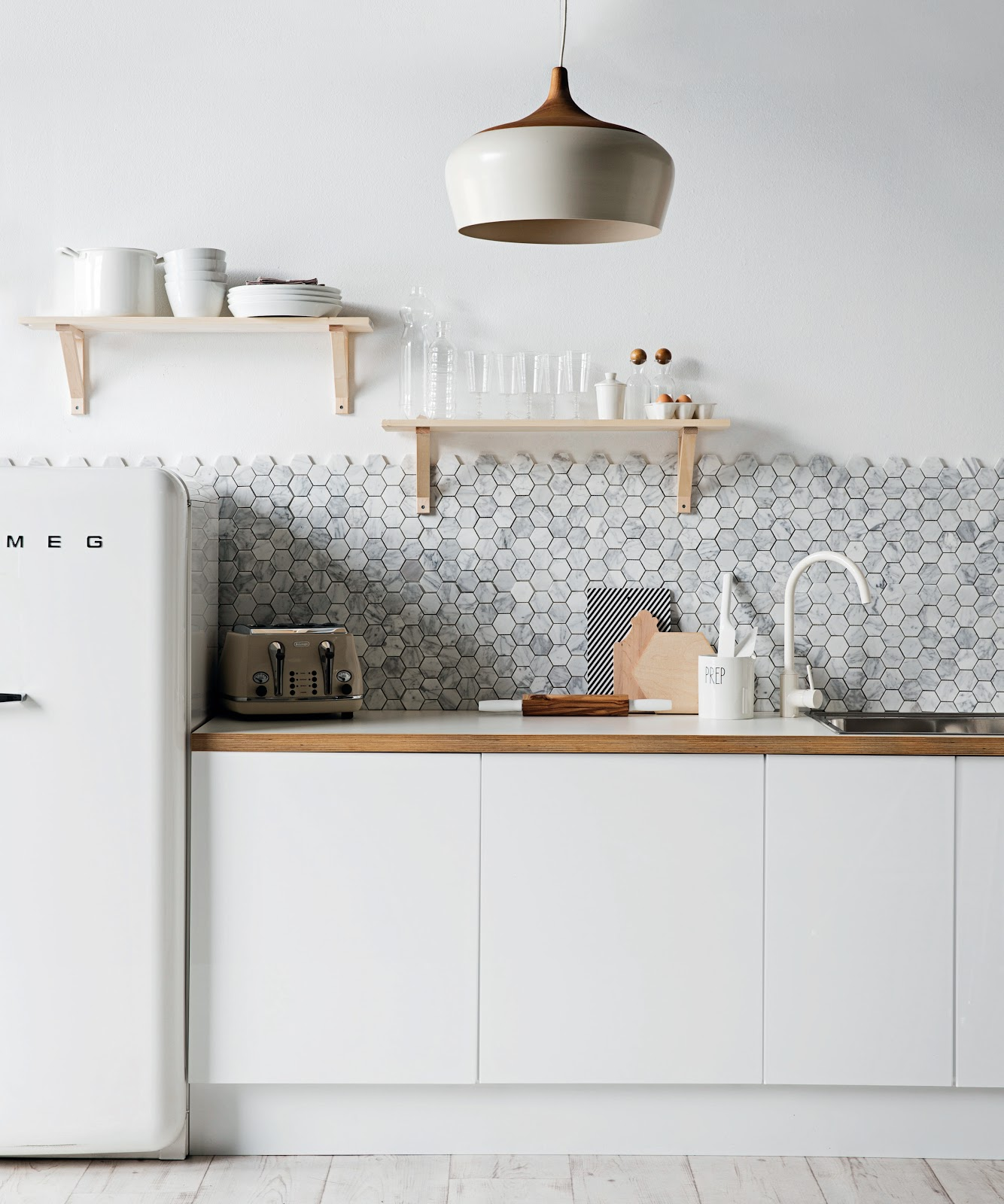 cozinha pastilha revestimento hexagonal cinza