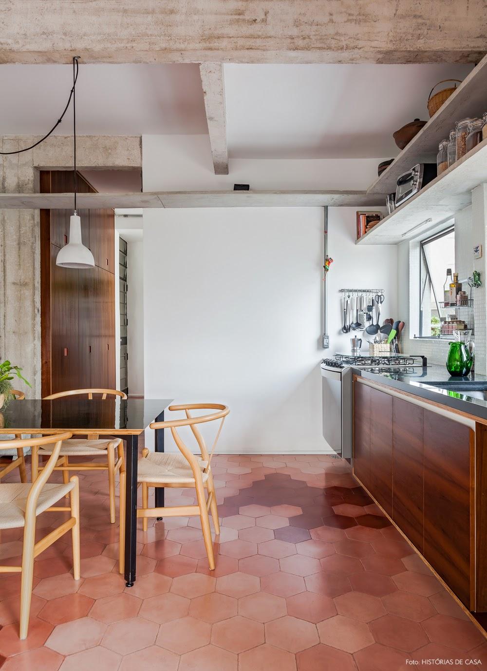cozinha piso revestimento hexagonal degradê rosa vermelho