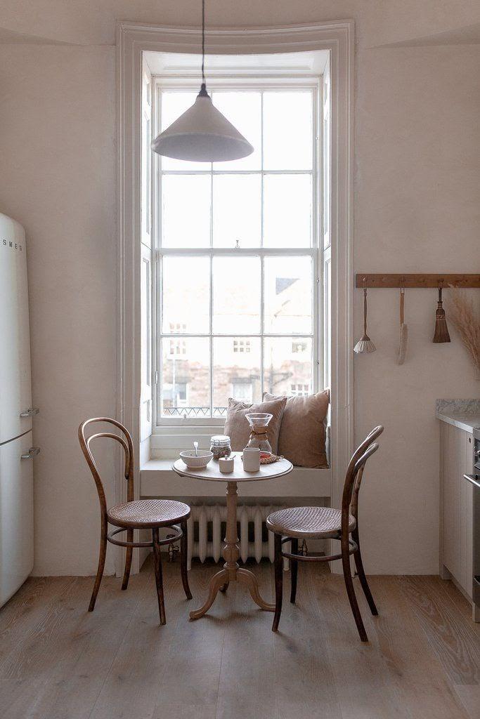 cozinha minimalista janela ampla