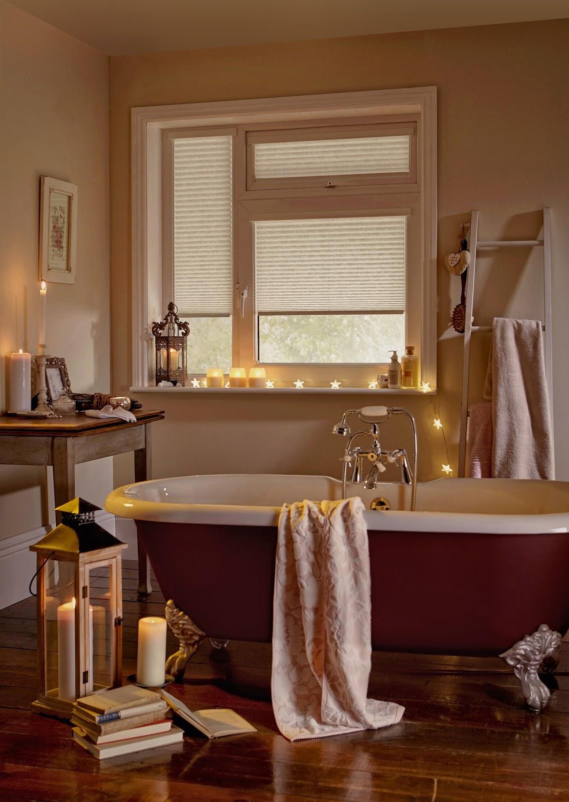 banheiro banheira velas