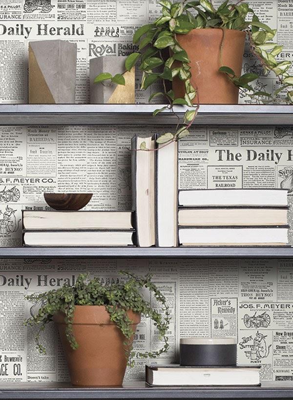 parede colagem com jornal