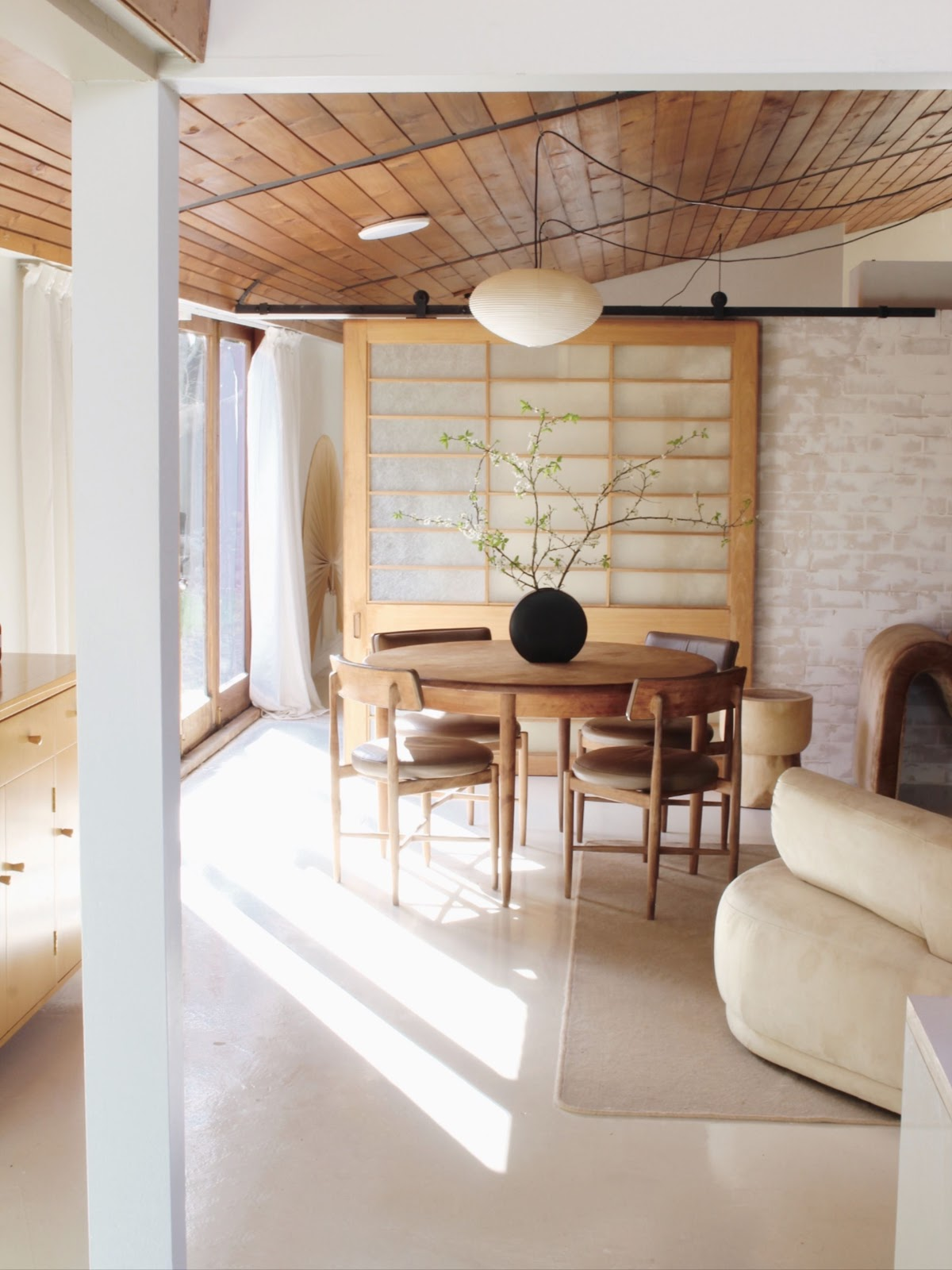 sala de jantar estilo japandi