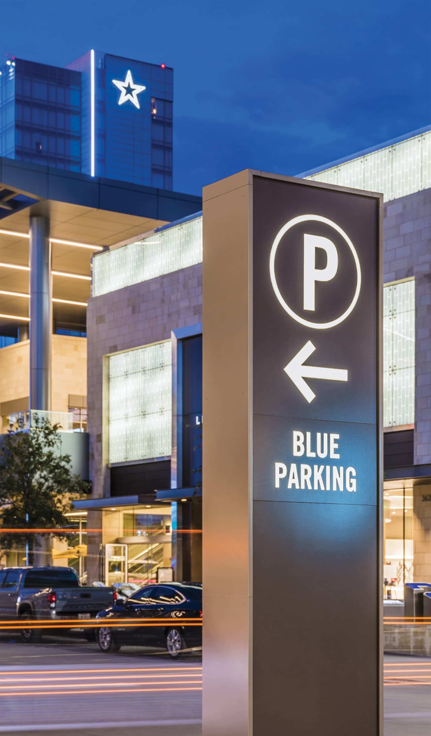 The Star Dallas Cowboys vehicular parking directional